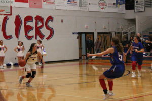 CHS Basketball Splits With Cleveland 12-11-18-11