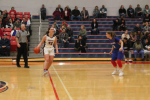 CHS Basketball Splits With Cleveland 12-11-18-23