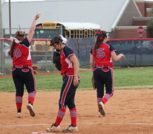 chs softball 4-18-19 9