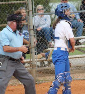 la softball 4-17-19 2